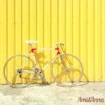 サドルがピンクのヒョウ柄の自転車