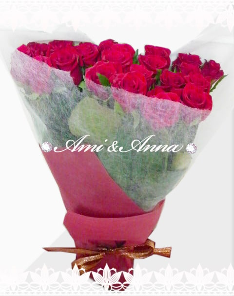 赤いバラの花束