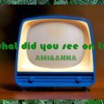 青色のレトロなおもちゃのテレビ