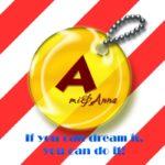 Ami&Annaと書いてあるグラフィック画像の黄色いキーホルダー