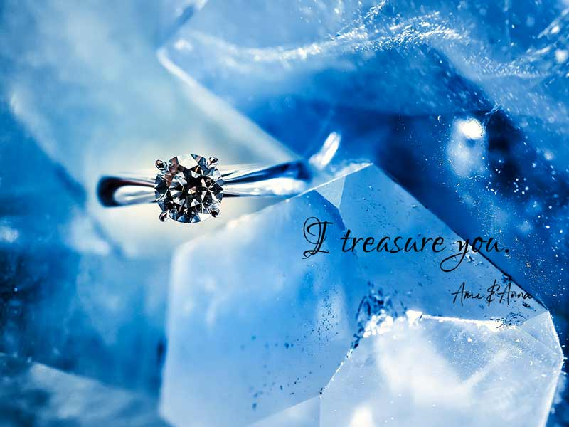 一粒ダイヤモンドの指輪とアクアマリンの原石