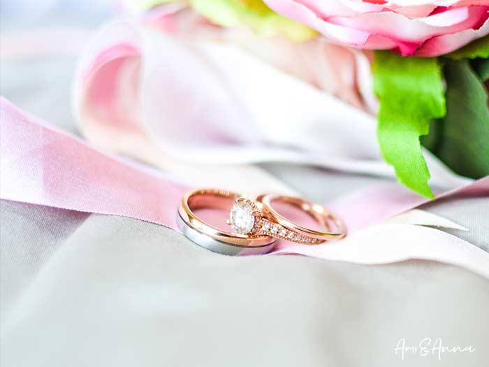 ダイヤモンドの指輪と結婚指輪