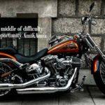 かっこいいオレンジ色のバイク